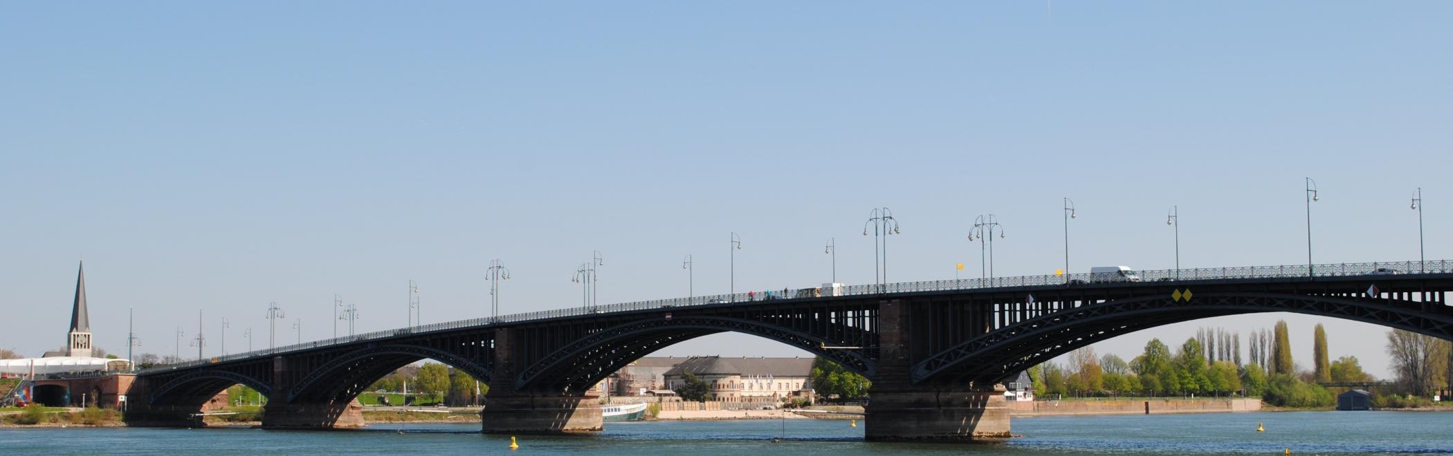 Rhein Dom Theodor Heuss Brücke